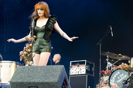 Florence 2719890_Florence-Machine_Lovebox01